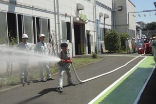 消防訓練の様子(本社工場)